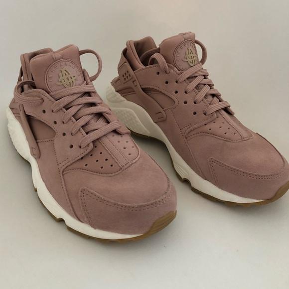 Nike Shoes   Blush Pink Air Huaraches